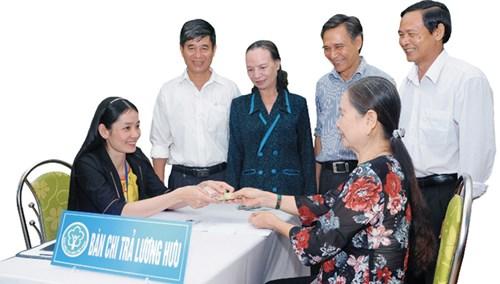 Trong năm 2016, BHXH Việt Nam tiếp tục đẩy mạnh cải cách hành chính để phục vụ tốt hơn nữa cho người dân.
