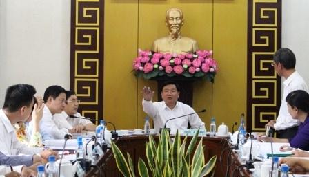 Bí thư Thành ủy TP HCM Đinh La Thăng làm việc với lãnh đạo quận 1