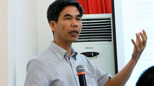 TS Trần Tuấn đang nói về chất gây ung thư có trong Amiăng