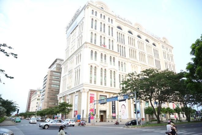 Parkson có thể là đối tác kinh doanh trung tâm thương mại cuối cùng mà ông chủ Khai Silk ký hợp đồng cho thuê Paragon.