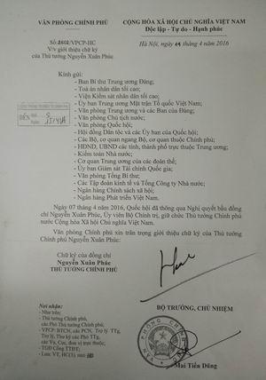 Văn bản giới thiệu chữ ký của Thủ tướng Chính phủ Nguyễn Xuân Phúc