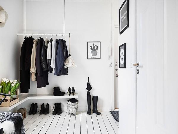 Một góc lưu trữ gọn gàng trong căn hộ.