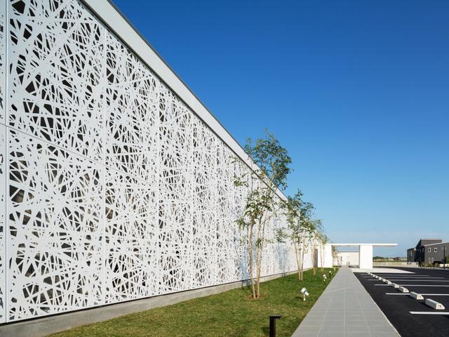 Trụ sở của Microsoft tại Copenhagen, Đan Mạch được làm từ kính mới được khai trương vào đầu năm 2016.
