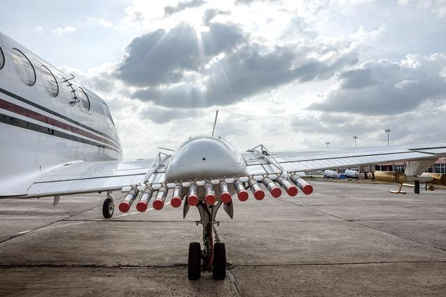 Máy bay mang ống phóng Sodium Chloride
