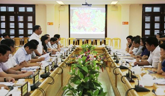 Bí thư Tỉnh ủy Hà Tĩnh Lê Đình Sơn chủ trì buổi làm việc tại trụ sở UBND tỉnh
