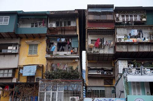 Theo quy chế các khu chung cư cũ được xây cao từ 21 – 25 tầng.