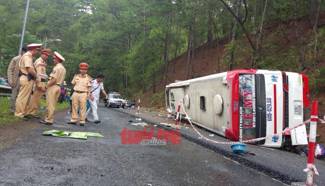 Xe Lê Mỹ gây ra tai nạn trên đèo Prenn - Ảnh: MAI VINH