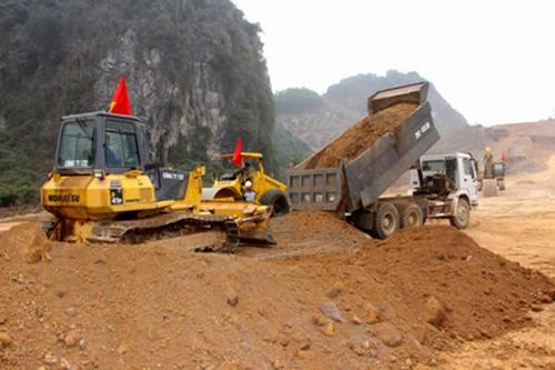 Việc GPMB dự án rất chậm khiến Bí thư Tỉnh ủy Nguyễn Văn Đọc phê bình.