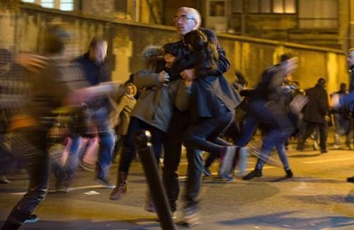 Thế giới mong thoát khỏi sự sợ hãi bởi khủng bố, chiến tranh (Ảnh: AP)