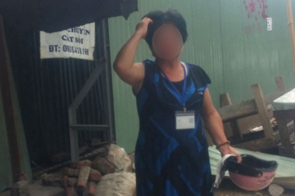 Bà Thanh - một nạn nhân của bán hàng đa cấp lo lắng nếu không đòi được tiền từ công ty đa cấp thì chồng bắt ký vào đơn ly dị - Ảnh: Thuận Phong