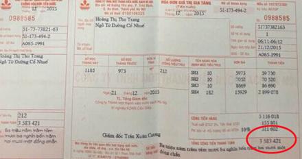 Số tiền nước gia đình chị Trang phải trả gấp 15 lần mỗi tháng.