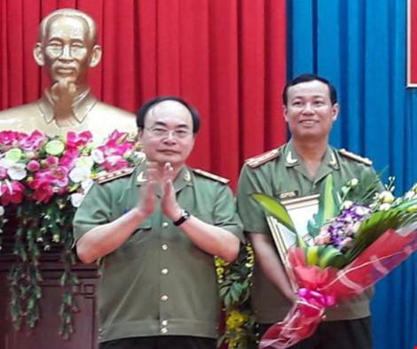 Đại tá Lê Tấn Tới (bìa phải)– tân Giám đốc Công an tỉnh Bạc Liêu