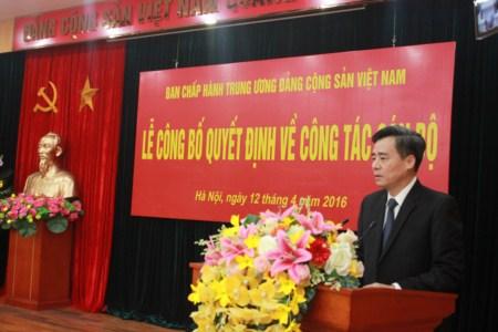 Đồng chí Nguyễn Quang Dương phát biểu nhận nhiệm vụ.