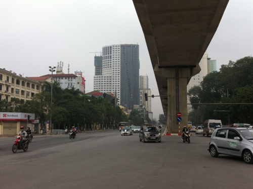 Dự án nằm ngay sát trục đường Trần Phú - Hà Đông, nơi có đường sắt Cát Linh - Hà Đông chạy qua