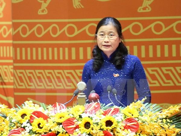 Đồng chí Đỗ Thị Hoàng, Phó Bí thư thường trực tỉnh ủy Quảng Ninh trình bày tham luận. (Ảnh: TTXVN)