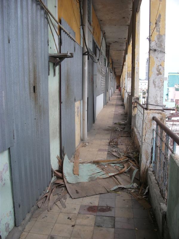 Theo mức giá bồi thường được UBND thành phố phê duyệt, thì mỗi căn hộ với diện tích 30m2 sẽ được đền bù khoảng 785 triệu đồng.