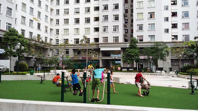 Tòa chung cư CT3 - khu đô thị Cổ Nhuế, nơi có hơn 560 hộ dân đang thiếu nước sạch nghiêm trọng từ nhiều ngày nay - Ảnh: Lâm Hoài