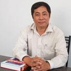"""Một số chuyên gia cho rằng DN Việt Nam không có tinh thần làm chủ, thiếu sáng tạo… nên thua DN Thái và các nước. Theo tôi, đó không phải là lý do chính mà quan trọng là nhà nước chưa tạo môi trường tốt cho DN hoạt động. Thế hệ DN những năm đầu Đổi Mới đã rất """"máu lửa"""", rất sáng tạo và họ đã thành công. Gần đây, môi trường kinh doanh tạo ra những tập đoàn, DN lớn, được nhiều ưu đãi thì càng ngày càng thâm dụng vốn và đè ép các DN nhỏ, làm tổn hại đến sự sáng tạo."""