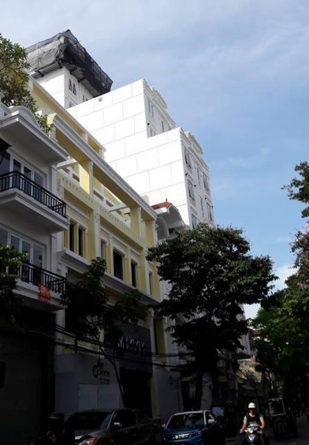 Cụm công trình ở phố Hàng Bông đang vi phạm về chiều cao và mật độ hết sức nghiêm trọng