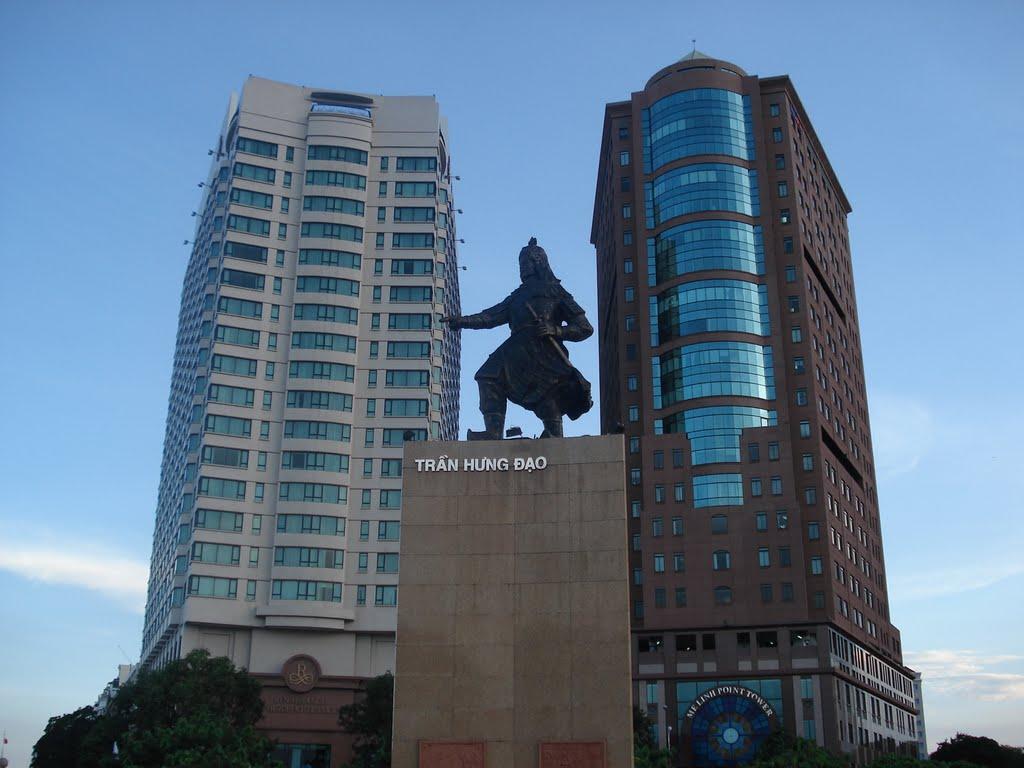 Mê Linh Point Tower (bên phải) là một trong những dấu ấn đậm nét của Fraser Centrepoint tại Việt Nam