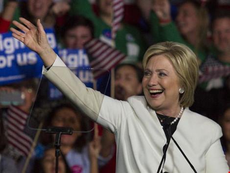 Nếu chiến thắng xảy đến với bà Hillary Clinton, bà sẽ là nữ tổng thống đầu tiên của nước Mỹ