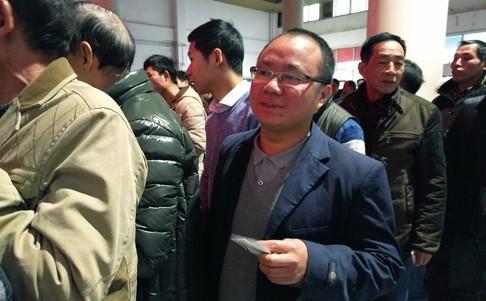 Anh Liu Jianyun, một công nhân không may khi chuyến tàu về quê Hồ Nam của anh bị hủy do bão tuyết