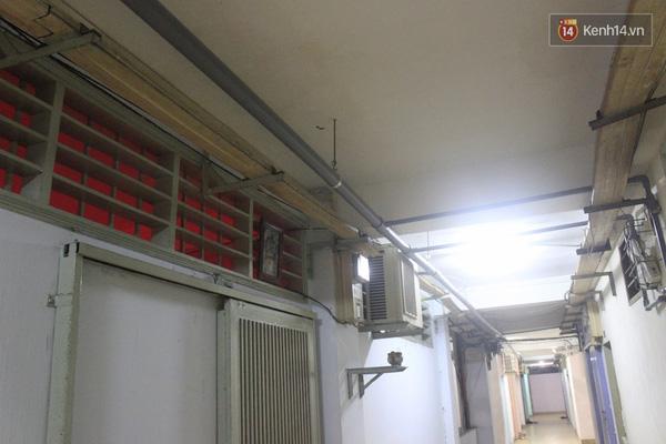 Các đường ống dẫn nước đã được lắp đặt, nhưng vẫn chưa đưa nước đến các hộ dân.