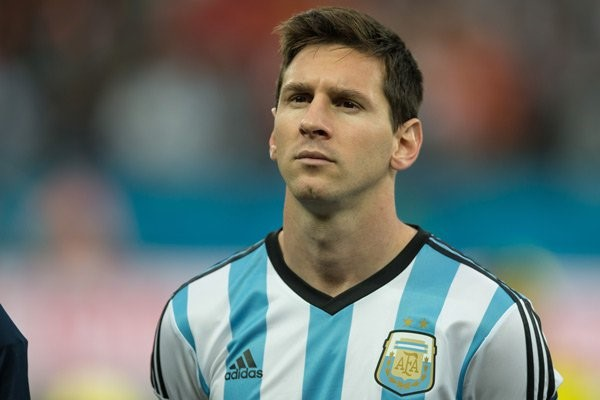 Lionel Messi lại thêm một nỗi lo mới