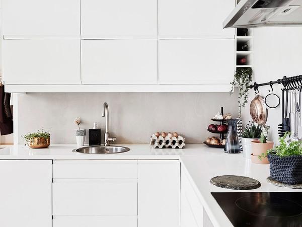 Tủ bếp có thiết kế đơn giản nhưng mang tính tiện ích cao.
