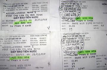 Giấy báo tiền nước của một ngôi nhà ờ quận 6, TP.HCM vẫn ghi khách hàng là Hui Bon Hoa - Ảnh tư liệu
