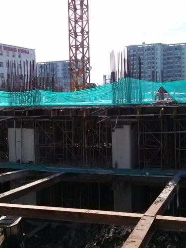 Được biết, tháng 3/2016 khi dự án đang xây hầm thì bị đình chỉ thi công do gây lún nứt nghiêm trọng Bệnh viện Nội Tiết bên cạnh