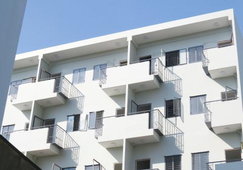 Các căn hộ đều được thiết kế có ban công để đón không khí tự nhiên