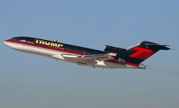 Và khi phải đi đâu xa, ông có chiếc Boeing 727-23 của riêng mình. Ảnh: TTB