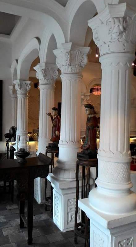 Nội thất bên trong nhà hàng Cham Cham của Khaisilk