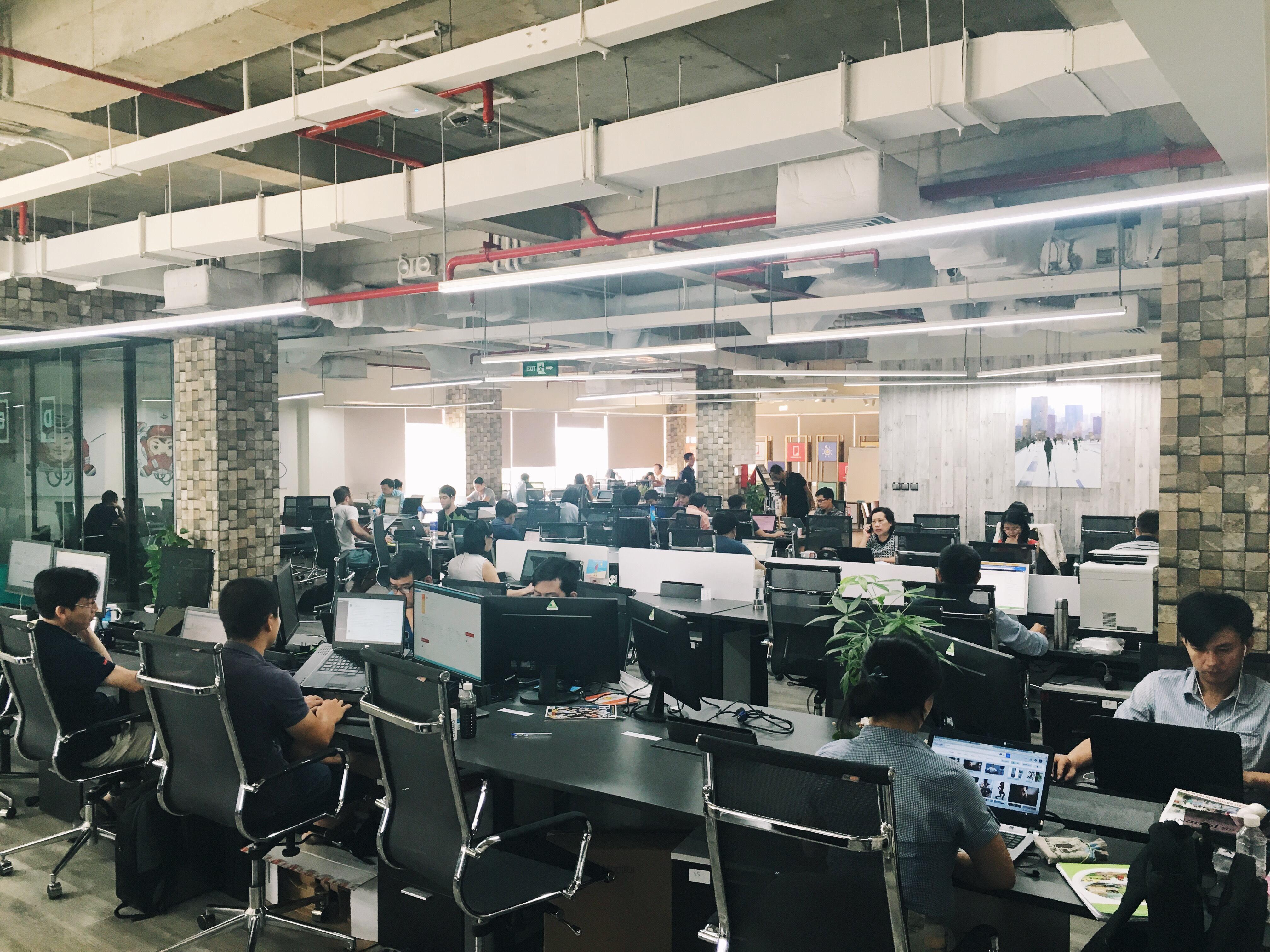 Đại diện của Dreamplex cũng xác nhận toàn bộ các công ty đang thuê trong tòa nhà được yêu cầu nghỉ làm việc từ cuối giờ chiều ngày 23/5 đến hết ngày 24/5. Ngày 25/5, mọi hoạt động tại đây trở lại bình thường.