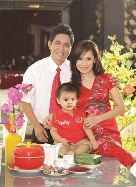 Gia đình hạnh phúc của Thanh Thúy – Đức Thịnh trong ngôi nhà 3 tầng trên diện tích hơn 100m2.