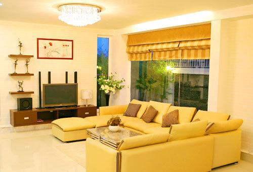 Với bộ sofa màu vàng chanh thế này cũng đủ để làm cho phòng khách nhà bạn rạng rỡ hơn bao giờ hết.