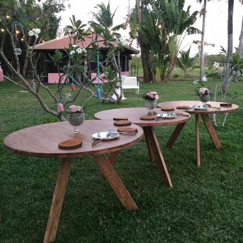 Trang Lạ cho biết, cô và chồng thích sự đơn giản, tinh tế nên quyết định chọn gỗ là chất liệu chính trong căn nhà.