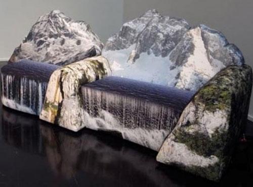 Với bộ sofa lạ mắt hình núi tuyết này bạn có thể mang cả thiên nhiên vào phòng khách nhà mình.