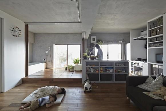 Ngôi nhà không có giường bởi gia đình quyết định chọn kiểu phòng ngủ truyền thống của người Nhật: nằm thảm trải trực tiếp trên sàn nhà.