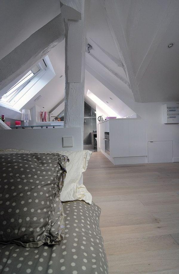 Dầm và cột nhà giúp ngăn cách không gian nghỉ ngơi riêng tư với khu vực khác trong nhà.