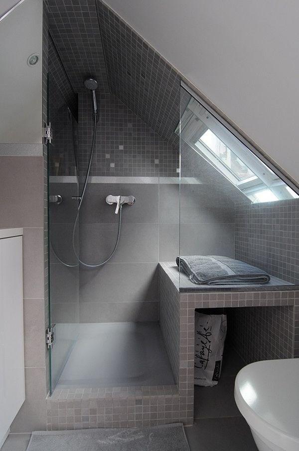 Nhà tắm tuy nhỏ những vẫn tạo cảm giác thoải mái bởi thiết kế giản dị, hiện đại và sạch sẽ.