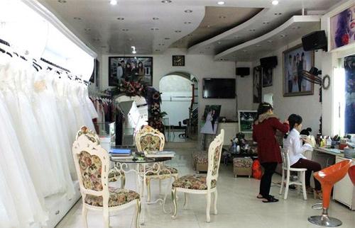 Ảnh viện áo cưới của nhà Kỳ Duyên là 1 trong  một vài studio nổi tiếng của TP. Nam Định.