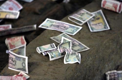 """Xem thường tiền lẻ có nghĩa là """"xem thường"""" thần tài."""