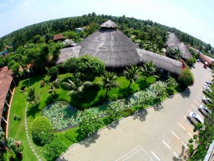 """Mekong Reststop là trạm dừng cao cấp được thiết kế theo lối kiến trúc mở, hòa mình với thiên nhiên với những nét riêng biệt """"Xanh – Sạch – Đẹp""""."""