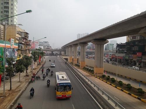 Hầm chui được xây dựng theo hướng Nguyễn Trãi - Quốc lộ 6 để tách phương tiện giao thông trên đường Nguyễn Trãi khỏi khu vực giao cắt. Cả hai bên đường hiện đã được thảm nhựa và phân làn. Mỗi bên hầm có bốn làn xe chạy, mỗi làn 3,5m.