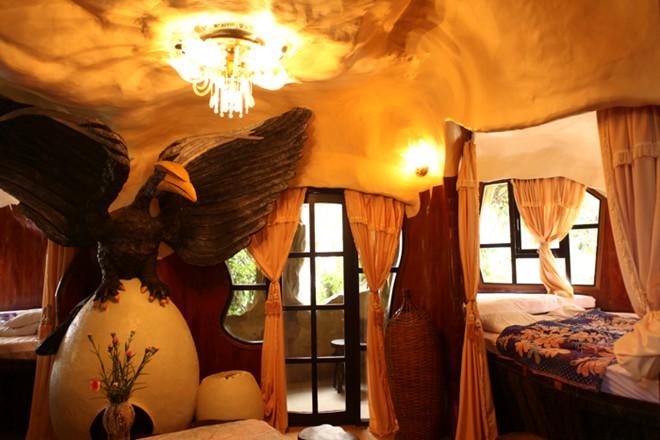 """Phòng """"Đại bàng đất"""" là nới dành riêng cho du khách nghỉ qua đêm."""
