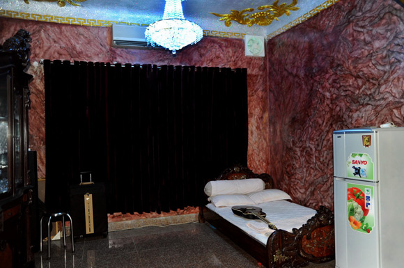 Còn đây là phòng ngủ dành cho khách.