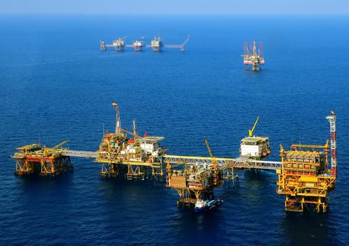 Vietsovpetro cùng với PVEP là 2 doanh nghiệp chính hoạt động trong lĩnh vực thăm dò - khai thác dầu khí tại Việt Nam