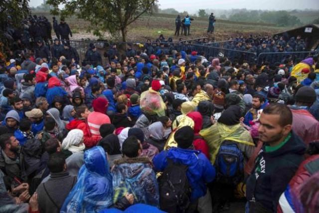 """Quan hệ giữa các nước Nam Tư cũ đang xấu đi do không có sự phối hợp nhịp nhàng để xử lý khủng hoảng di cư.</p></div><div></div></div><p> </p><p>""""Hôm qua, phía <span id="""